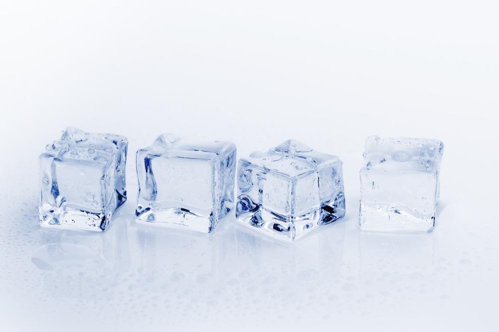 ice-cubes-3506781_1280
